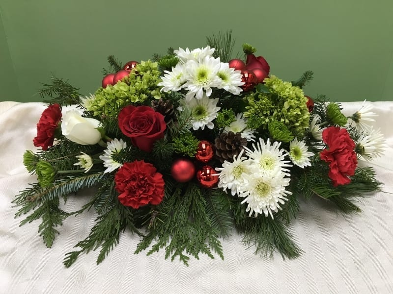 Christmas Flower Centerpiece & Arrangements in Bergen, ...